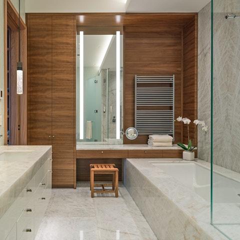 Details Bathrooms 01